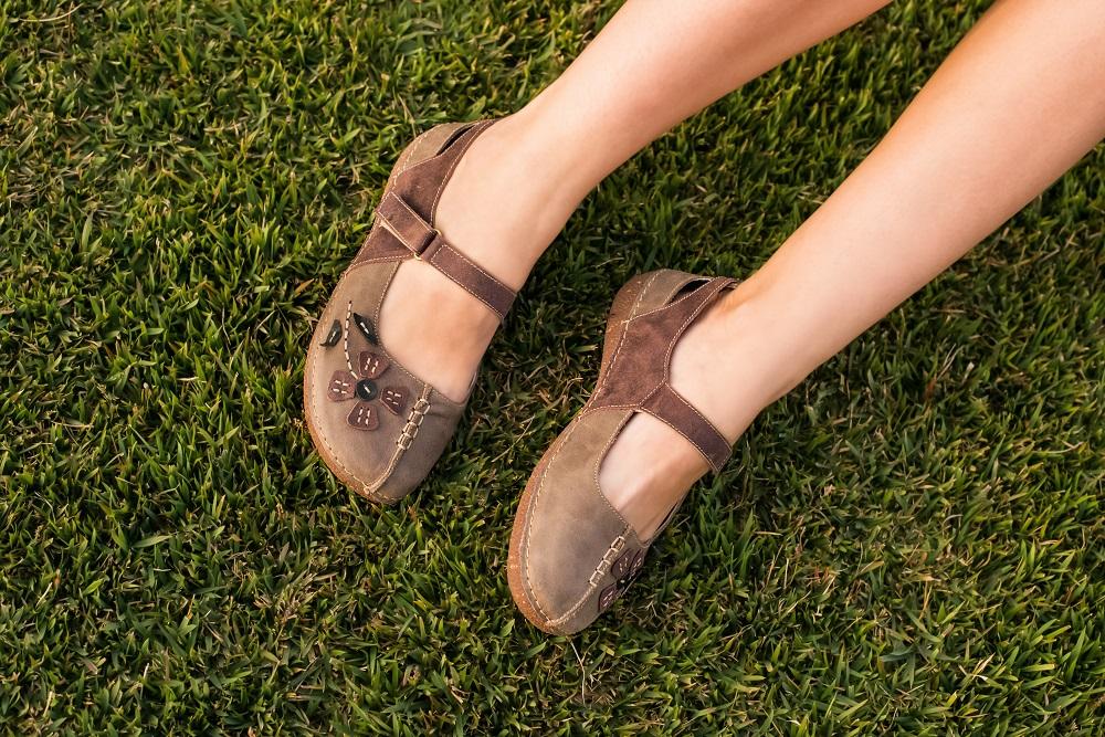 99c236ac8 VIAGEM  6 Dicas de Sapatos Confortáveis para levar na sua viagem!