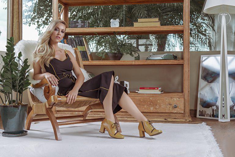 Como inserir sapatos coloridos ao visual de inverno