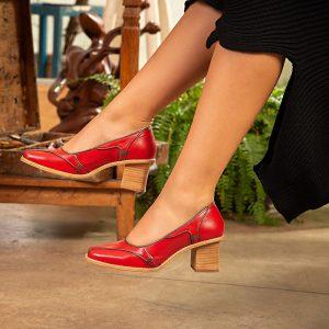 sapato-feminino-em-couro-pelica